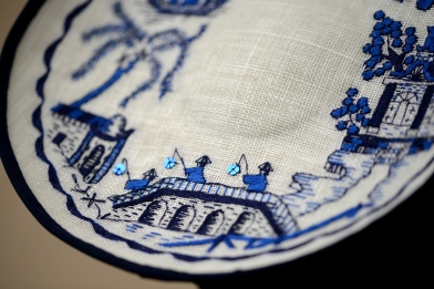 Willow Pattern Plate Hat - Detail
